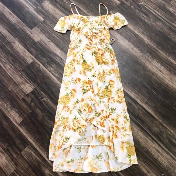 bd724a5405ec Hint of Blush Dresses | Bnwt Cold Shoulder Floral Maxi Dress | Poshmark